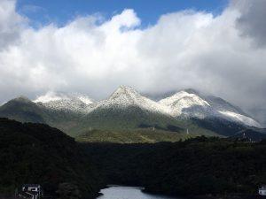 雪化粧の前岳